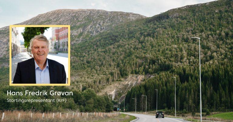 Bilde av norsk vei og portrett av Hans Fredrik Grøvan
